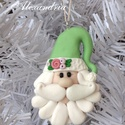 Mikulás karácsonyfadísz, Dekoráció, Karácsonyi, adventi apróságok, Karácsonyfadísz, Karácsonyi dekoráció, Ékszerkészítés, Gyurma, Kézműves díszt készítettem, tartós süthető gyurmából. Sok figyelmet fordítottam a részletekre és a ..., Meska