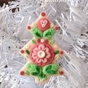 Fenyőfa formájú karácsonyfadísz, Karácsonyi, adventi apróságok, Dekoráció, Karácsonyfadísz, Karácsonyi dekoráció, Kézműves díszt készítettem, tartós süthető gyurmából. Sok figyelmet fordítottam a részletekre és a g..., Meska