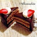 Csokis epertorta , Aprólékos munkával, süthető gyurmából kész...