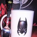 Batman bögre és kanál, Konyhafelszerelés, Dekoráció, Bögre, csésze, Süthető gyurmával díszített bögre, kiskanállal. A töretlen  népszerűséget élvező Batman figura ihlet..., Meska