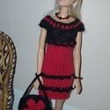 Piros-fekete Barbie babaruha, Játék, Baba játék, Kötés, Horgolás, Kézzel kötött Barbie babaruha 29 cm-es babákhoz,  A szett tartalma: Piros-fekete ruha, hozzá illő h..., Meska