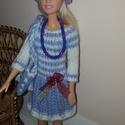 Barbi babaruha, Baba-mama-gyerek, Játék, Baba játék, Baba, babaház, Kézzel kötött világoskék-fehér Barbie babaruha, hozzáillő bohókás sapkával, kézitáskáv..., Meska