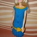 Barbie babaruha, Baba-mama-gyerek, Játék, Baba játék, Baba, babaház, Kézzel kötött, kék-sárga Barbie babaruha, hozzáillő hajpánttal, Meska