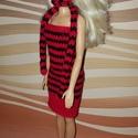 Barbie babaruha, Baba-mama-gyerek, Játék, Baba játék, Baba, babaház, Kézzel kötött, piros-fekete, Barbie babaruha, hozzáillő kalappal és sállal, Meska