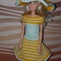 Barbie babaruha, Baba-mama-gyerek, Játék, Baba játék, Baba, babaház, Kézzel kötött, narancssárga-fehér, Barbie babaruha, hozzáillő kalappal, Meska