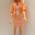 Barbie ruha, Horgolt Barbie együttes. Ruha, kabátka és kalap...