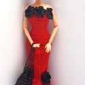 Barbie babaruha, Játék, Baba, babaház, Horgolt piros, sellőfazonú Barbie babaruha, a ruha alsó részén tüll alsószoknyával, csillogó fekete ..., Meska