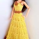 Barbie babaruha, Játék, Baba, babaház, Sárga színű selyemfonalból horgolt A vonalú estélyiruha, aranyszínű díszítéssel, bevarrt tüll alsósz..., Meska