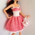 Barbie babaruha, Játék, Baba, babaház, Horgolt rózsaszín-fehér babaruha, hozzáillő csipke kalappal és kosárkával Barbie típusú babráknak. A..., Meska