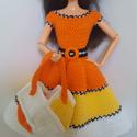 Barbie babaruha, Horgolt sárga-fehér babaruha, hozzáillő övvel...
