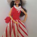 Barbie babaruha, Horgolt rózsaszín-fehér babaruha hozzáillő ka...