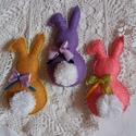 Húsvéti filc nyuszi dísz 3db-os, Dekoráció, Otthon, lakberendezés, Húsvéti díszek, Dísz, Húsvéti színes filc nyuszikák tojásfára, barkaágra. Színes filc az alapja, rajta fehér pamu..., Meska