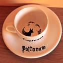 Harry Potter kávés csésze, Konyhafelszerelés, Bögre, csésze, Festett tárgyak, A csésze 2 dl-es, festéséhez valódi porcelánfestéket használtam. Festés után kemencében égetem a po..., Meska