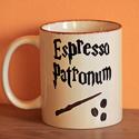 Harry Potter kávés bögre, Konyhafelszerelés, Bögre, csésze, Festett tárgyak, A bőgre 2,5 dl-es, festéséhez valódi porcelánfestéket használtam. Festés után kemencében égetem a p..., Meska
