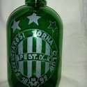 Boros-pálinkás üveg Fradi szurkolóknak, Férfiaknak, Legénylakás, Horgászat, vadászat, Focirajongóknak, Üvegművészet, A 2 literes zöld színű üvegre a FRADI címerét gravíroztam. Fradi szurkoló részére ajánlom bármilyen..., Meska