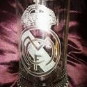 REAL MADRID FC címerével díszített sörös korsó, Férfiaknak, Focirajongóknak, Sör, bor, pálinka, Üvegművészet, A 0,5 literes sörös korsóra a Real Madrid FC csapat címerét gravíroztam. A csapat szurkolói táboráh..., Meska