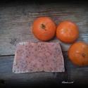 Mandarinos-mákos szappan sheavajjal, Szépségápolás, Szappan, tisztálkodószer, Kecsketejes szappan, Natúrszappan, Szappankészítés, Összetétel: olívaolaj, kókuszvaj, sheavaj, lúg, körömvirág tea, mandarin illóolaj, mák.  Súlya fris..., Meska