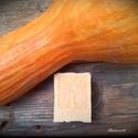 Sütőtökös-fahéjas szappan zabbal, Szépségápolás, Szappan, tisztálkodószer, Natúrszappan, Szappankészítés, Életfa mintájú új forma!  Összetétel: olívaolaj, kókuszvaj, napraforgó olaj, víz, lúg, sütőtök, zab..., Meska