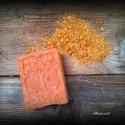 Mézes-körömvirágos szappan kecsketejjel, Szépségápolás, Szappan, tisztálkodószer, Kecsketejes szappan, Natúrszappan, Szappankészítés, Életfa mintázatú új forma  Összetétele: olívaolaj, kókuszolaj, napraforgóolaj, kakaóvaj, ricinusola..., Meska