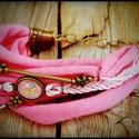 Nyaklánc - karkötő szett üveglencse medálokkal, Ékszer, Karkötő, Nyaklánc, Bohém stílusú szett:  - rózsaszín pamut anyaggal - bronzszínű fém kellékellel - üveglencse medálokka..., Meska