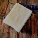 Borotválkozó szappan shea vajjal, Szépségápolás, Szappan, tisztálkodószer, Natúrszappan, Szappankészítés, Életfa mintás szappan!  Összetétel: olívaolaj, kókuszvaj, ricinus olaj, sheavaj, kamilla-csalán-kör..., Meska