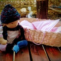 Waldorf baba - csecsemőbaba mózeskosárral, Játék, Baba játék, 50 cm-es csecsemő baba mózeskosárral, ágyneművel.  A kislányok kedvence! Méreténél fogva ráadhatók a..., Meska