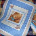 Kék, macis babatakaró, ovis takaró, Baba-mama-gyerek, Gyerekszoba, Falvédő, takaró, Patchwork, foltvarrás, Méretei: 109x87 cm., Meska