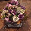 A lila őszi árnyalatában asztaldekoracio, Dekoráció, Otthon, lakberendezés, Dísz, Asztaldísz, Feher vesszokosarban mutatos lakasdekoracio asztalra a lila árnyalatában., Meska