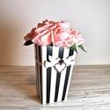 Fekete-fehér csíkos rózsa doboz/box, Esküvő, Szerelmeseknek, Otthon, lakberendezés, Asztaldísz, Barack színű habrózsa felhasználásával készült. Körbe fehér színű selyem szalagot tettem..., Meska