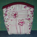 Rózsás-csíkos drapp neszeszer, A rózsás-csíkos táska maradékaiból készült...
