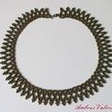 Iris bronz fűzött gyöngy nyaklánc, Ékszer, óra, Nyaklánc, Iris bronz színű, cseh kásagyöngyből fűzött nyaklánc. Hossza 43,5 cm, szélessége 2 cm., Meska