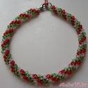 Piros - Fehér - Zöld fűzött gyöngy karkötő, gyöngyhurka, Ékszer, óra, Karkötő, Piros, fehér (üveg) és zöld áttetsző gyöngyből készült gyöngyhurka karkötő.  Hossza 18,..., Meska