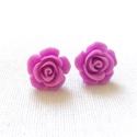 Rózsa fülbevaló - lila, Ékszer, Fülbevaló, Ajándék díszcsomagolásban. Egyszerű, bedugós fülbevaló alapra lila színű, műgyantából k..., Meska