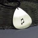 Hangjegy gitár pengető, Ékszer, Nyaklánc, Medál, Gitár pengető hangjegy kivágással Ideális ajándék karácsonyra, vagy bármilyen más alkalomra. Ez kell..., Meska