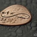 Infinity medál, egyedi betűkkel, Ékszer, Férfiaknak, Infinity medál egyedi monogrammal. A gitárpengető medál egyedi rendelésre készül. Anyaga vörösréz de..., Meska