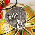 RH+ és FENDER gitár - Karácsonyi ajándék ötlet gitárosoknak - alpakka gitárpengető nyaklánc , Ékszer, Dekoráció, Karácsonyi, adventi apróságok, Ünnepi dekoráció, Készleten, azonnal vihető... RH+ vércsoportúaknak ötletes ajándék!  Alapanyag Alpakka Forma: gitár p..., Meska