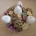 Húsvéti asztaldísz, Dekoráció, Húsvéti díszek, Otthon, lakberendezés, Ünnepi dekoráció, Asztaldísz, Húsvéti asztaldísz bambuszkosárban. A díszítéshez szárazvirágokat, terméseket, vesszőgömböket és műa..., Meska
