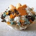 Húsvéti asztaldísz, Dekoráció, Húsvéti díszek, Otthon, lakberendezés, Asztaldísz, Húsvéti asztaldísz szárazvirágokból és termésekből.  Méretei: Magasság: kb. 10 cm Átmérő: kb. 13 cm..., Meska