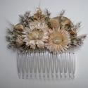Hajdísz, Esküvő, Hajdísz, ruhadísz, Szárazvirágokból készült hajdísz.  Mérete: kb. 7x9 cm, Meska