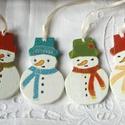 Hó Hahó -fa karácsonyfadísz, Karácsonyi, adventi apróságok, Karácsonyfadísz, Ajándékkísérő, képeslap, Karácsonyi dekoráció, Fából készült karácsonyfadíszek, akril festékkel festve, akril lakkal kezelve. A 4 jóbarát, jól öltö..., Meska