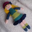 Lulu - Horgolt sapkás babalány, Baba-mama-gyerek, Játék, Baba játék, Lulu 23 cm magas, pamut fonalból horgolt sapkás babalány. A sapka levehető.  Készíthetsz rá ruhákat ..., Meska