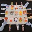 Címkepárna és babakocka együtt babalátogatóba, Baba-mama-gyerek, Játék, Baba játék, Készségfejlesztő játék, A párna 30 x 30 cm-es, 3 rétegű. Egyik oldala mintás anyag, másik oldala pedig thermo, középen pedig..., Meska