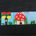 Csendeskönyv, Baba-mama-gyerek, Játék, Baba játék, Készségfejlesztő játék, Könyv 14,5 x 42 cm nyitott állapotban.   A könyv tartalma:  1.oldal: Almákat lehet fel le tépő..., Meska
