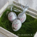 Húsvéti tojás,szolidan., Dekoráció, Húsvéti díszek, Ünnepi dekoráció, Decoupage, transzfer és szalvétatechnika, Festett tárgyak, Kicsit modern,kicsit romantikus ez a húsvéti tojás, szürke árnyalatú, mindkét oldalán díszített kel..., Meska