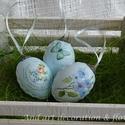 Húsvéti tojás kékben., Dekoráció, Húsvéti díszek, Ünnepi dekoráció, Decoupage, transzfer és szalvétatechnika, Festett tárgyak, Üde világoskék színben készültek ezek a tojások a képen látható mintavariációval. Mindkét oldaluk d..., Meska