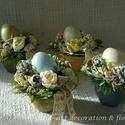 Tavaszi-húsvéti asztaldísz variációk..., Dekoráció, Otthon, lakberendezés, Ünnepi dekoráció, Asztaldísz, Szép ívelésű kerámia kaspót festettem és repesztettem, majd lakkoztam.Üde tavaszi asztaldíszeket kés..., Meska