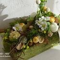 Rusztikus tavaszi-nyári asztaldísz, dekoráció., Egyedileg készítettük a fa ládát, melynek str...
