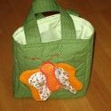 Pillangós kistáska, zöld, Baba-mama-gyerek, Táska, Libegő szárnyú pillangót varrtam erre a kislány táskára.  A lepkeszárnyak  kiemelkednek  a t..., Meska
