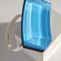 Íves, kék üveggyűrű, Ékszer, Gyűrű, Ez az egyedi gyűrű, egy melegen fúvott, un. dupla színköpenyes (világoskék, sötétkék) – már kicsorbu..., Meska