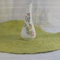 Cirádás mini váza, Dekoráció, Otthon, lakberendezés, Dísz, Kaspó, virágtartó, váza, korsó, cserép, Decoupage, transzfer és szalvétatechnika, Festett tárgyak, 14 cm. magasságú  finom színű és finom mintázatú váza. Az eredetileg átlátszó üvegvázát, először ak..., Meska